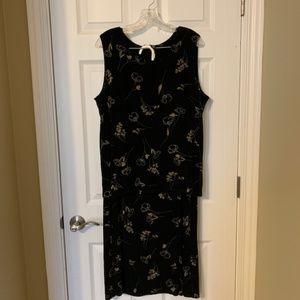Dresses & Skirts - 2 piece sleeveless top/skirt set